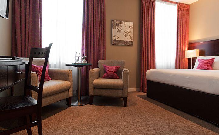 Hotel in bayswater deluxe double berjaya eden park for 35 39 inverness terrace bayswater