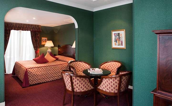 Hotel bayswater london suite at berjaya eden park london for 35 39 inverness terrace bayswater