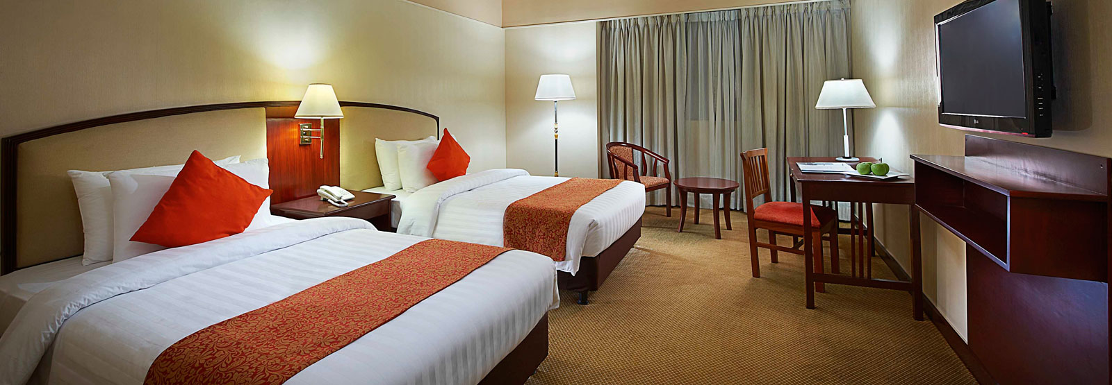 Hotel In Manila Philippines Rooms At Berjaya Hotel Makati