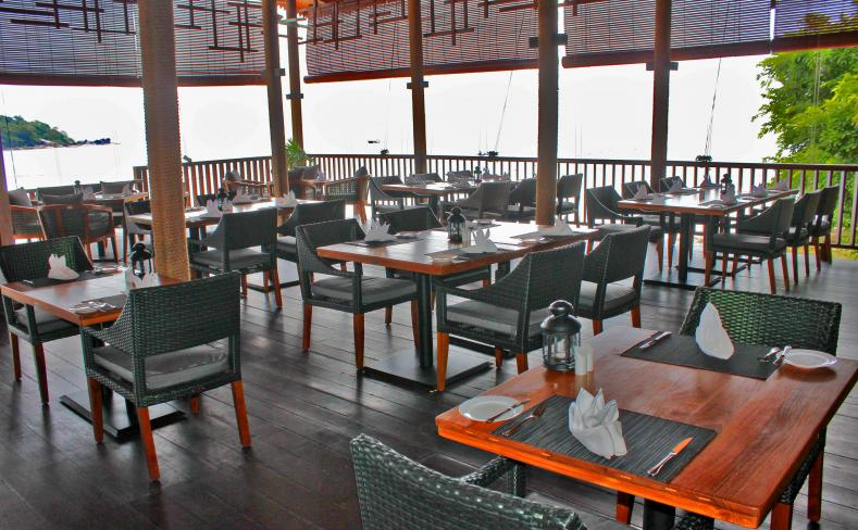 Beach Brasserie - Dining Area Overlooking Sea
