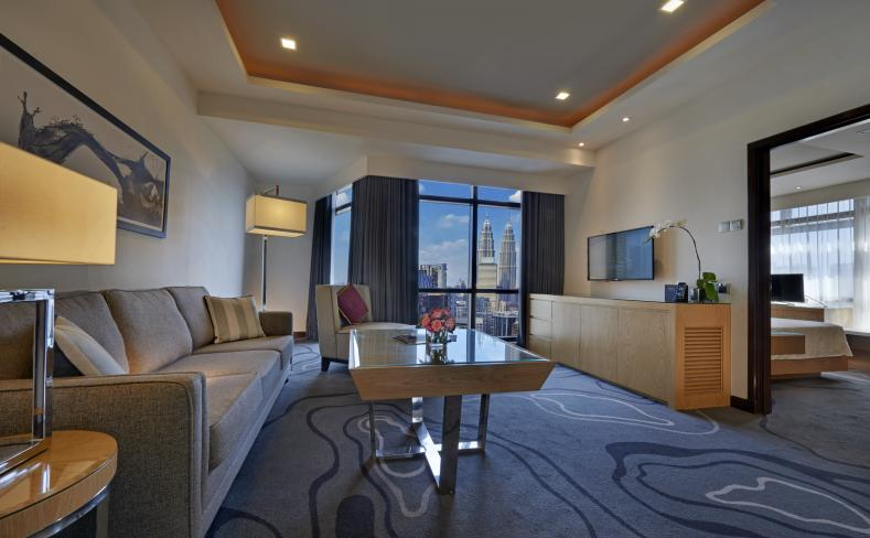 Club Premier Suite - Twin Tower View