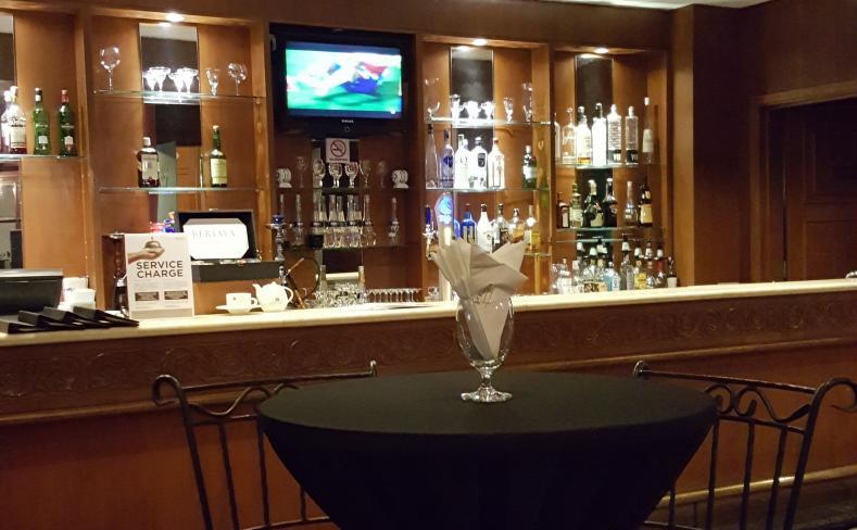 Rimba Sports Bar - Table