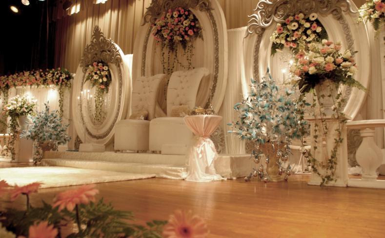 Photo gallery berjaya hotel berjaya waterfront hotel johor bahru malay wedding pelamin setup junglespirit Choice Image