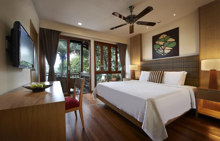 Family Chalet - Master Bedroom