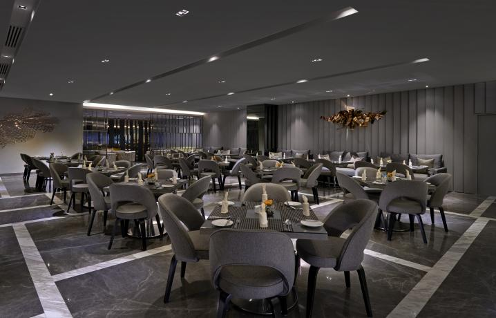 Club Lounge - Dining Area