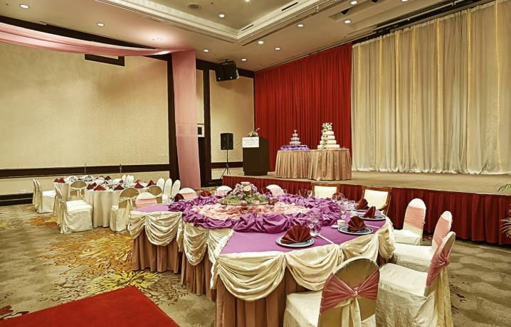 Dewan Berjaya - Banquet Setup Head Table and Stage View