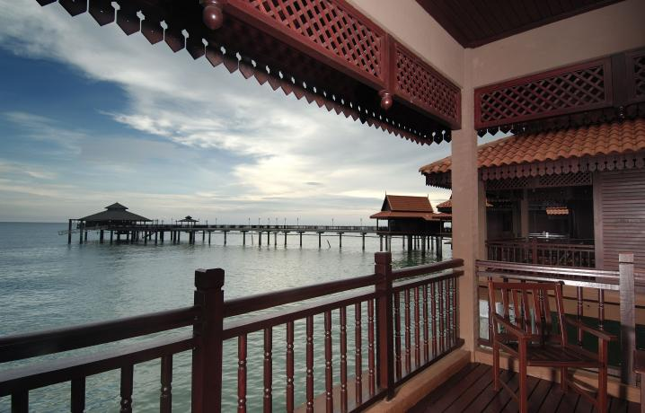 Premier Chalet on Water – Balcony View