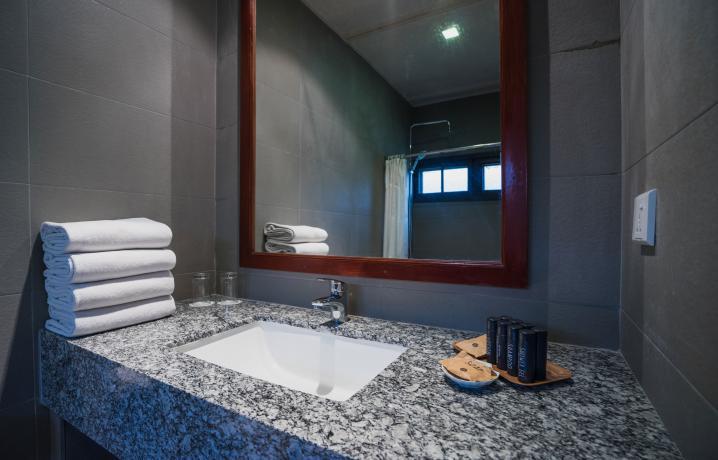 Garden View Chalet - Bathroom