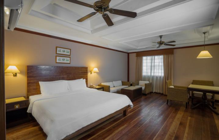 Beach Chalet - Room Interior