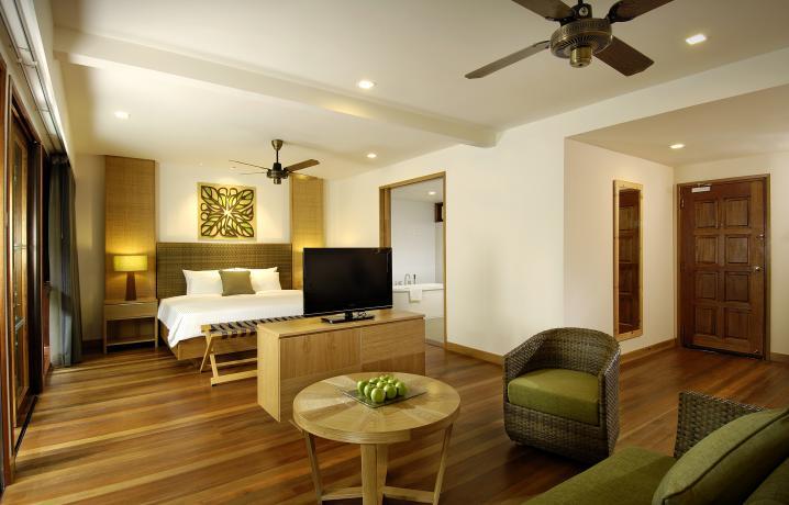 Rainforest Studio - Living Area