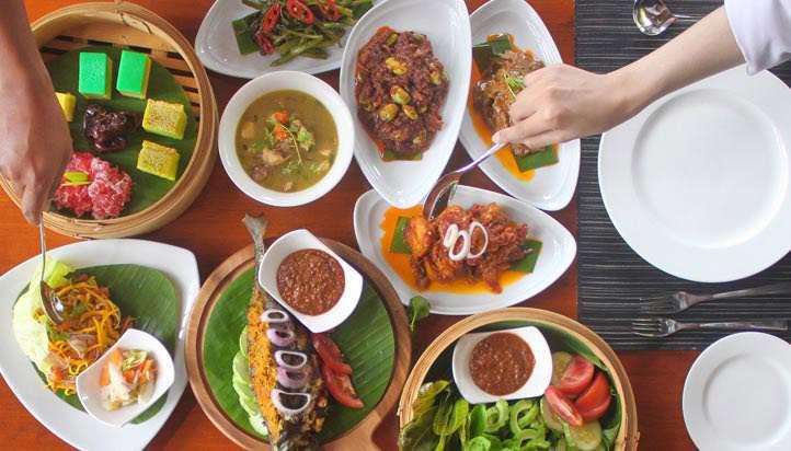 WARISAN MAT CINCANG BUKA PUASA DINNER SET