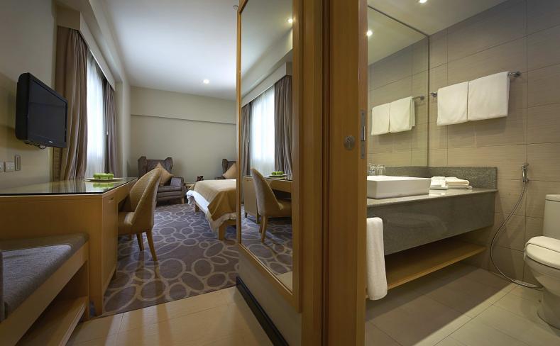 Premiere - Bathroom