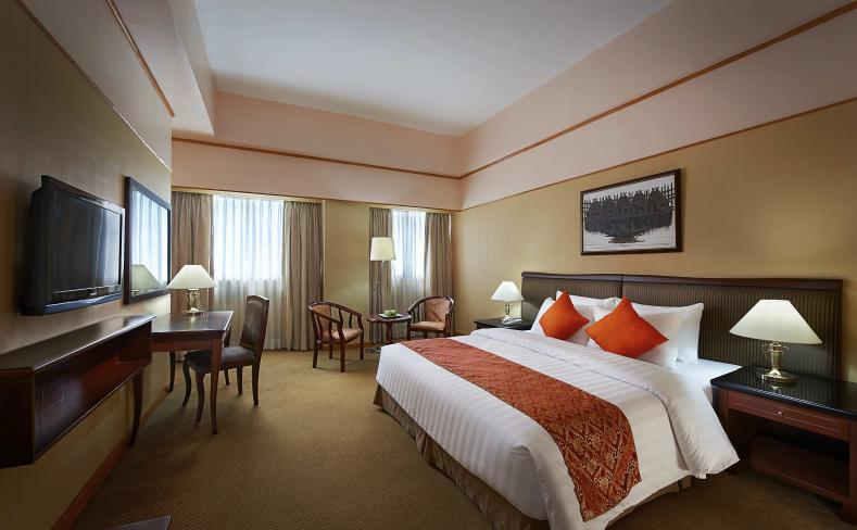 Deluxe Room - King Bed Entrance View